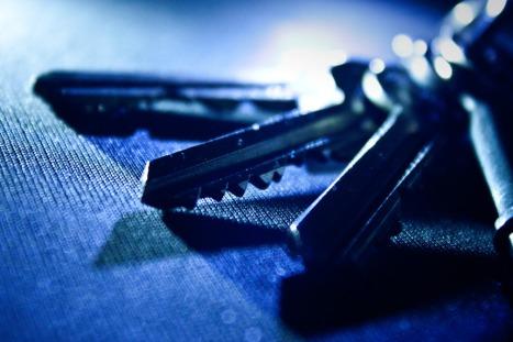 llaves fondo claro